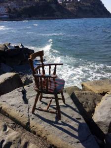 06-stol-veter-in-morje